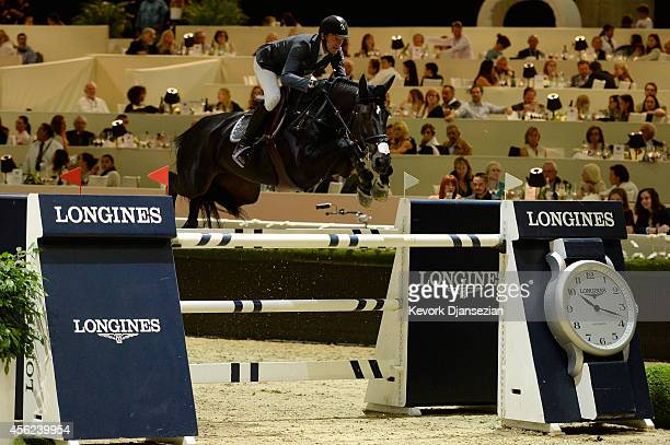 Kevin Staut rides Oh d'Eole during the Battle Of The Nations class at Longines Los Angeles Masters at Los Angeles Convention Center on September 27...