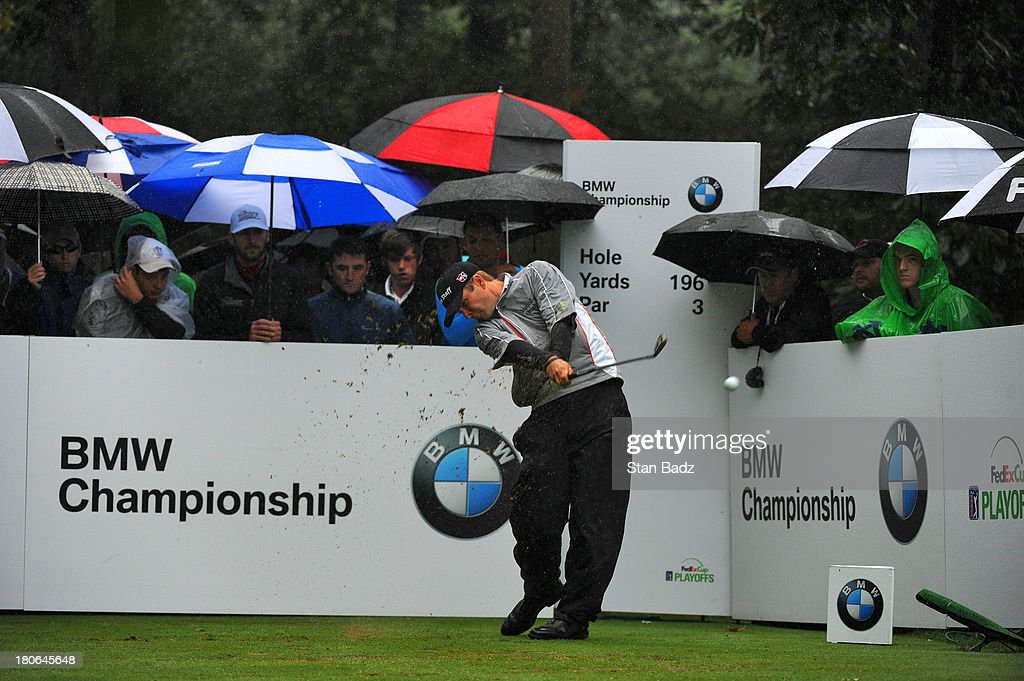 <a gi-track='captionPersonalityLinkClicked' href=/galleries/search?phrase=Kevin+Streelman&family=editorial&specificpeople=4687006 ng-click='$event.stopPropagation()'>Kevin Streelman</a> hits a tee shot on the second hole during the final round of the BMW Championship at Conway Farms Golf Club on September 15, 2013 in Lake Forest, Illinois.