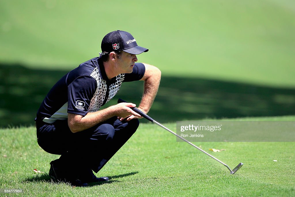 <a gi-track='captionPersonalityLinkClicked' href=/galleries/search?phrase=Kevin+Streelman&family=editorial&specificpeople=4687006 ng-click='$event.stopPropagation()'>Kevin Streelman</a> lines up a putt on the fifth green during the Second Round of the DEAN & DELUCA Invitational at Colonial Country Club on May 27, 2016 in Fort Worth, Texas.