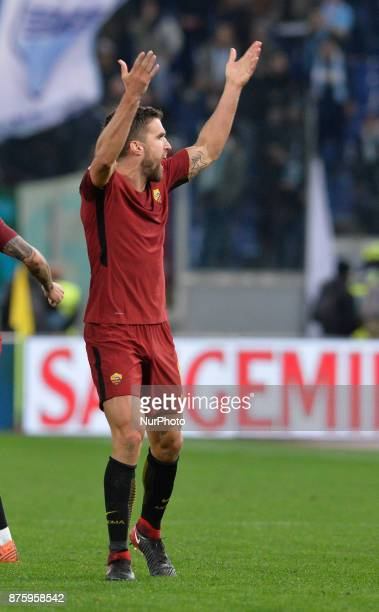 Kevin Strootman celebrates during the Italian Serie A football match between AS Roma and SS Lazio at the Olympic Stadium in Rome on november 18 2017