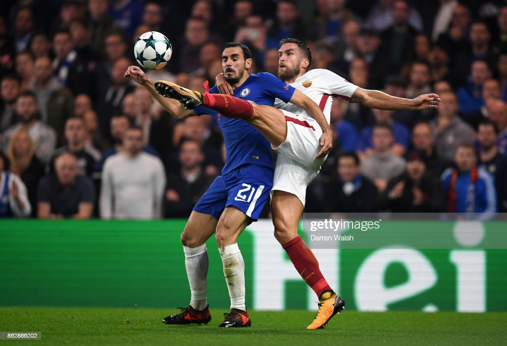 Kevin Strootman of AS Roma and Davide Zappacosta of Chelsea battle for possession during the UEFA Champions League group C match between Chelsea FC and AS Roma at Stamford Bridge on October 18, 2017 in London, United Kingdom.