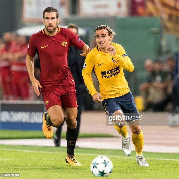 Kevin Strootman of AS Roma Antoine Griezmann of Club Atletico de Madrid during the UEFA Champions League group C match match between AS Roma and...
