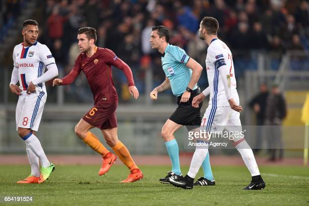 Kevin Strootman of AS Roma celebrates after scoring a goal during the UEFA Europa League soccer match between AS Roma and Olympique Lyonnais at...