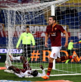 Kevin Strootman of AS Roma celebrates after scoring the second team's goal during the Serie A match between AS Roma and AS Livorno Calcio at Stadio...