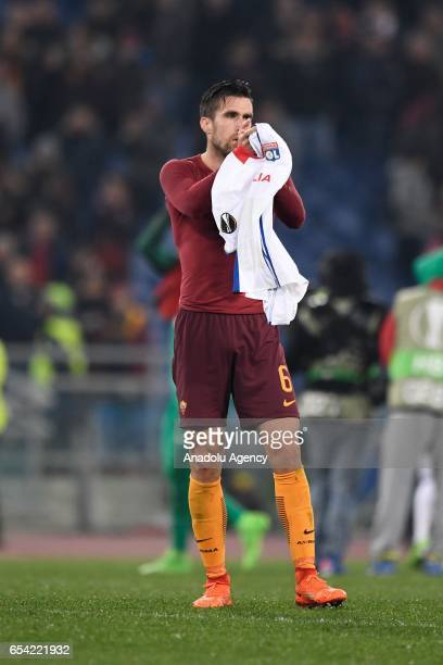 Kevin Strootman of AS Roma gestures after the UEFA Europa League soccer match between AS Roma and Olympique Lyonnais at Stadio Olimpico on March 16...