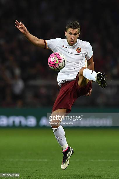 Kevin Strootman of AS Roma in action during the Serie A match between Genoa CFC and AS Roma at Stadio Luigi Ferraris on May 2 2016 in Genoa Italy