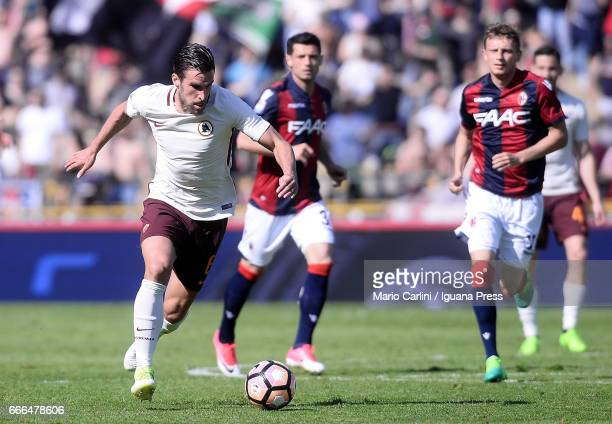 Kevin Strootman of AS Roma in action during the Serie A match between Bologna FC and AS Roma at Stadio Renato Dall'Ara on April 9 2017 in Bologna...