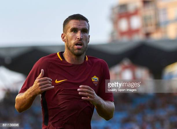 Kevin Strootman of AS Roma looks on during the preseason friendly match between Celta de Vigo and AS Roma at Balaidos Stadium on August 13 2017 in...