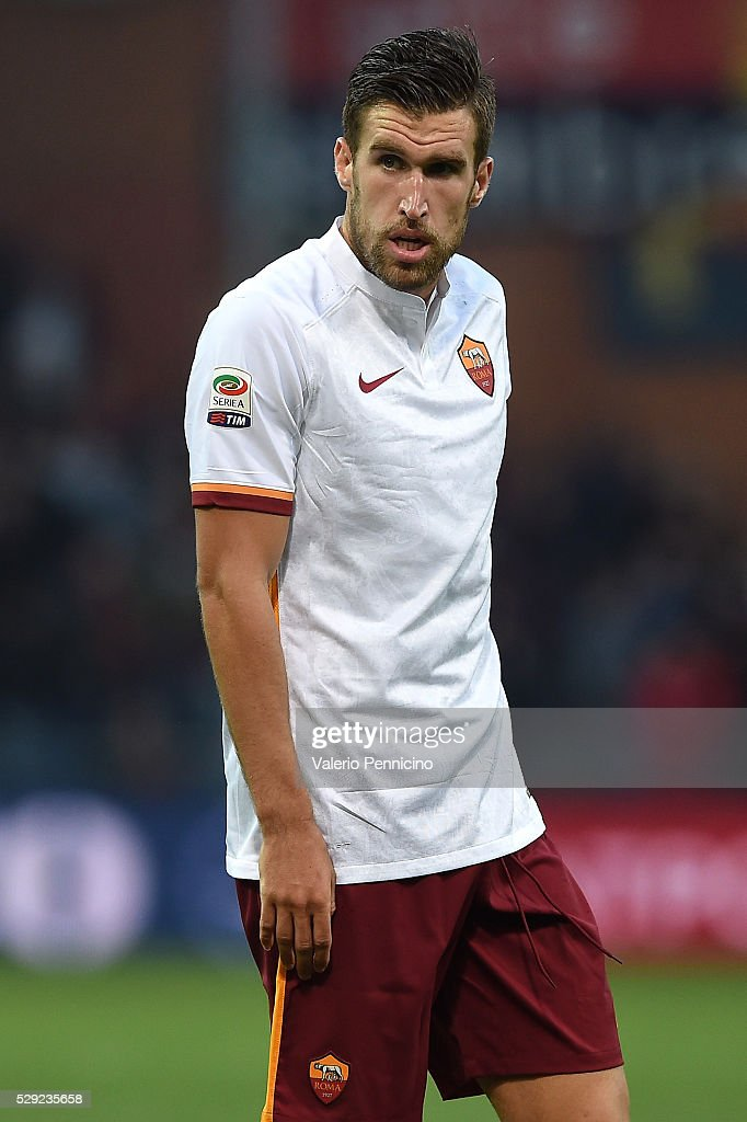 <a gi-track='captionPersonalityLinkClicked' href=/galleries/search?phrase=Kevin+Strootman&family=editorial&specificpeople=5566501 ng-click='$event.stopPropagation()'>Kevin Strootman</a> of AS Roma looks on during the Serie A match between Genoa CFC and AS Roma at Stadio Luigi Ferraris on May 2, 2016 in Genoa, Italy.