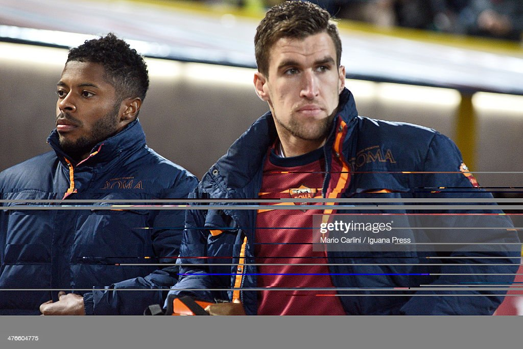 <a gi-track='captionPersonalityLinkClicked' href=/galleries/search?phrase=Kevin+Strootman&family=editorial&specificpeople=5566501 ng-click='$event.stopPropagation()'>Kevin Strootman</a> #6 of AS Roma looks on prior the beginning of the Serie A match between Bologna FC and AS Roma at Stadio Renato Dall'Ara on February 23, 2014 in Bologna, Italy.