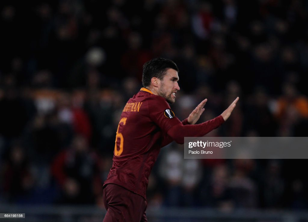 Kevin Strootman of AS Roma reacts after scoring the team's first goal during the UEFA Europa League Round of 16 second leg match between AS Roma and Olympique Lyonnais at Stadio Olimpico on March 16, 2017 in Rome, Italy.