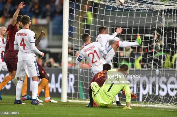 Kevin Strootman of AS Roma shoots to a goal during the UEFA Europa League soccer match between AS Roma and Olympique Lyonnais at Stadio Olimpico on...