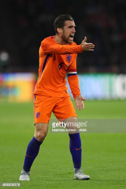 Kevin Strootman of Netherlands in action during the international friendly match between Netherlands and Italy at Amsterdam ArenA on March 28 2017 in...
