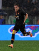 Kevin Strootman of Roma celebrates after scoring the goal to go up 20 during the TIM Cup match between AS Roma and SSC Napoli at Olimpico Stadium on...