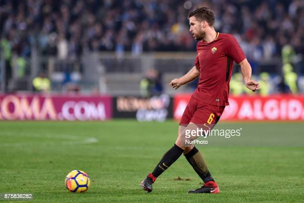 Kevin Strootman of Roma during the Serie A match between Roma and Lazio at Olympic Stadium Roma Italy on 18 November 2017