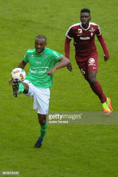 Kevin Theophile Catherine of Saint Etienne and Ismaila Sarr of Metz during the French Ligue 1 match between Saint Etienne and Metz at Stade...