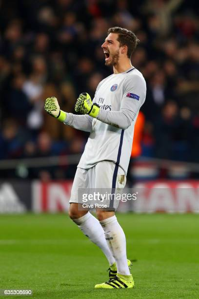 Kevin Trapp of Paris SaintGermain celebrates after teammate Julian Draxler scored their second goal during the UEFA Champions League Round of 16...