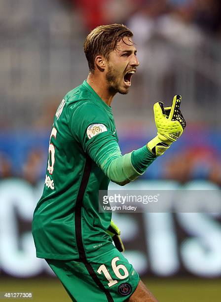 Kevin Trapp of Paris SaintGermain shouts to his teammates during the 2015 International Champions Cup match against Benfica at BMO Field on July 18...