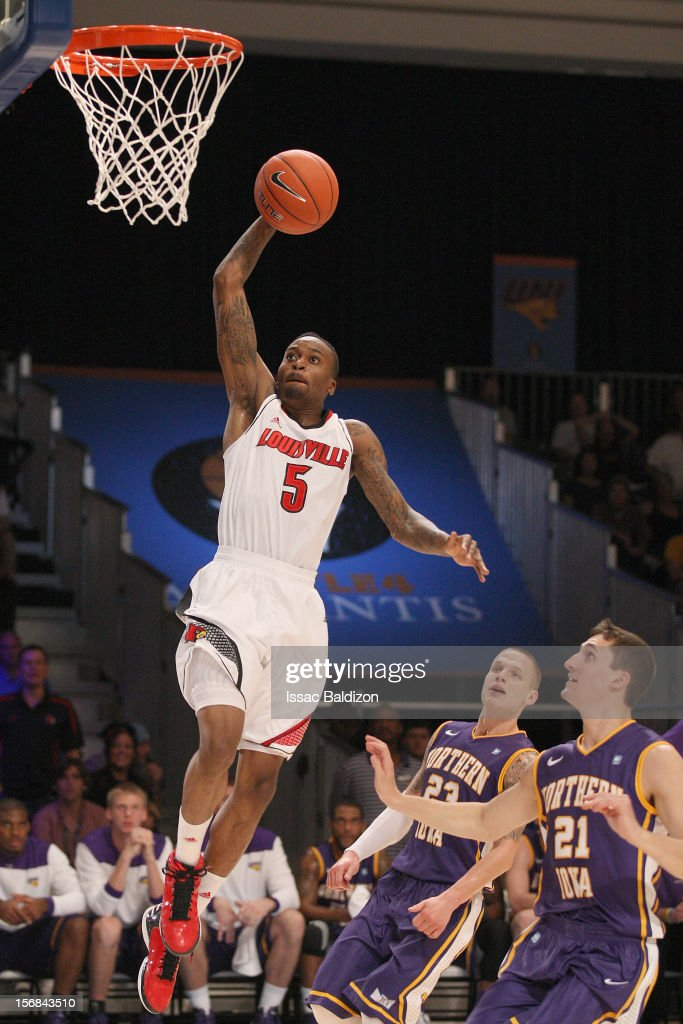 Kevin Ware #5 of the Louisville Cardinals dunks against the Northern Iowa Panthers during the Battle 4 Atlantis tournament at Atlantis Resort on November 22, 2012 in Nassau, Paradise Island, Bahamas.