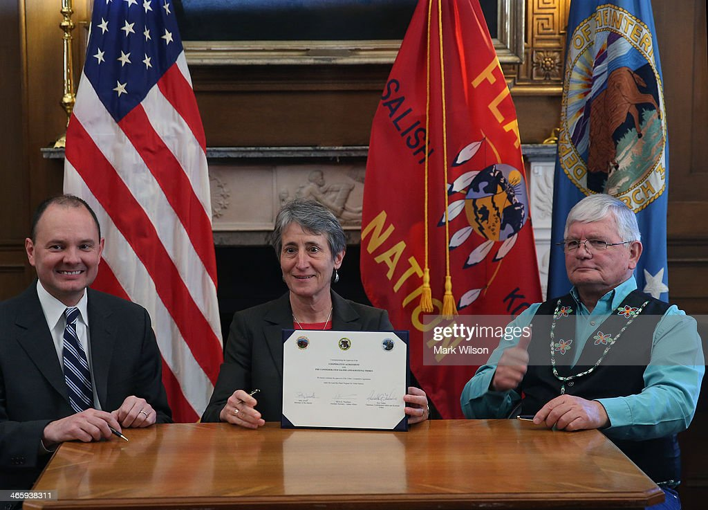 Interior sally jewell announces buy back program for tribal lands getty images - Interior bureau of indian affairs ...