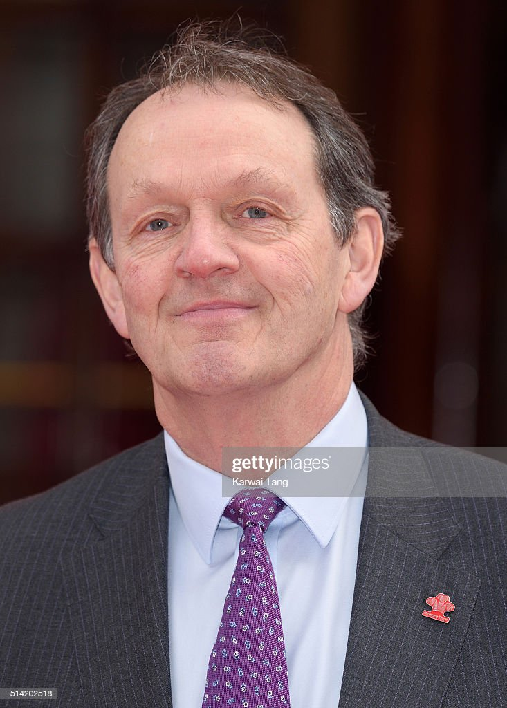 kevin whately height