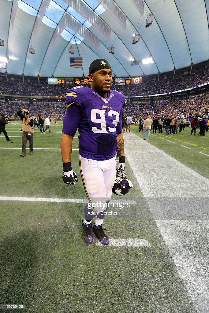 Kevin Williams #93 of the Minnesota Vikings walks off the field after defeating the Detroit Lions on December 29, 2013 at Mall of America Field at the Hubert H. Humphrey Metrodome in Minneapolis, Minnesota.