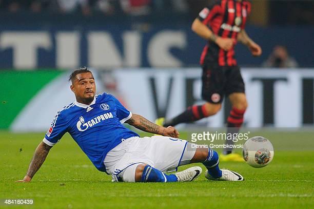 KevinPrince Boateng of FC Schalke 04 stretches for the ball during the Bundesliga match between FC Schalke 04 and Eintracht Frankfurt at VeltinsArena...