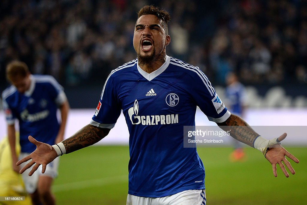 <a gi-track='captionPersonalityLinkClicked' href=/galleries/search?phrase=Kevin-Prince+Boateng&family=editorial&specificpeople=613049 ng-click='$event.stopPropagation()'>Kevin-Prince Boateng</a> of Schalke celebrates after scoring his team's 2nd goal during the Bundesliga match between FC Schalke 04 and Werder Bremen at Veltins-Arena on November 9, 2013 in Gelsenkirchen, Germany.