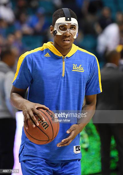 Kevon Looney of the UCLA Bruins warms up on the court before a semifinal game of the Pac12 Basketball Tournament against the Arizona Wildcats at the...