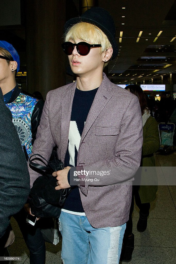 <a gi-track='captionPersonalityLinkClicked' href=/galleries/search?phrase=Key+-+Korean+Singer&family=editorial&specificpeople=12538635 ng-click='$event.stopPropagation()'>Key</a> of South Korean boy band SHINee is seen upon arrival at Incheon International Airport on February 18, 2013 in Incheon, South Korea.
