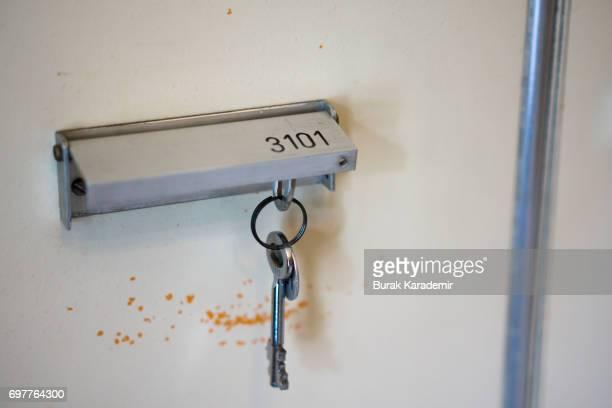 Key opening safe box