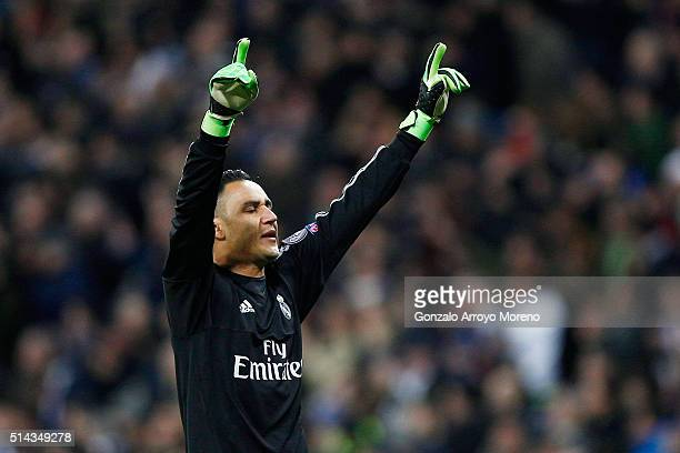 Keylor Navas of Real Madrid celebrates during the UEFA Champions League Round of 16 Second Leg match between Real Madrid and Roma at Estadio Santiago...