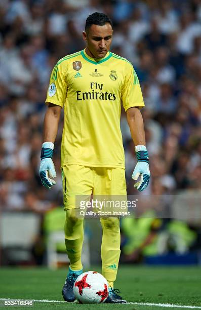 Keylor Navas of Real Madrid controls the ball during the Supercopa de Espana Supercopa Final 2nd Leg match between Real Madrid and FC Barcelona at...