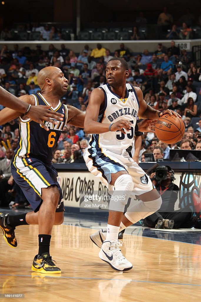 <a gi-track='captionPersonalityLinkClicked' href=/galleries/search?phrase=Keyon+Dooling&family=editorial&specificpeople=202647 ng-click='$event.stopPropagation()'>Keyon Dooling</a> #55 of the Memphis Grizzlies drives against <a gi-track='captionPersonalityLinkClicked' href=/galleries/search?phrase=Jamaal+Tinsley&family=editorial&specificpeople=202203 ng-click='$event.stopPropagation()'>Jamaal Tinsley</a> #6 of the Utah Jazz on April 17, 2013 at FedExForum in Memphis, Tennessee.