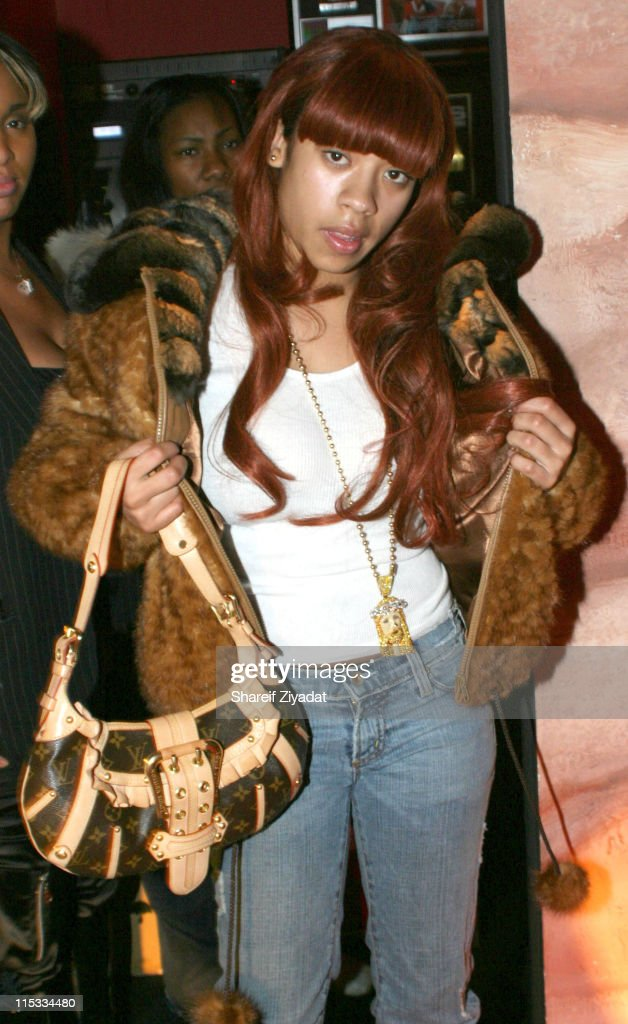 Keyshia Cole Performs at Cherry Lounge - December 24, 2004