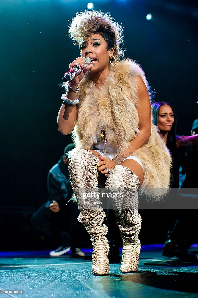 Keyshia Cole performs at the Power 99 Powerhouse concert at the Wells Fargo Center on October 26, 2012 in Philadelphia, Pennsylvania.