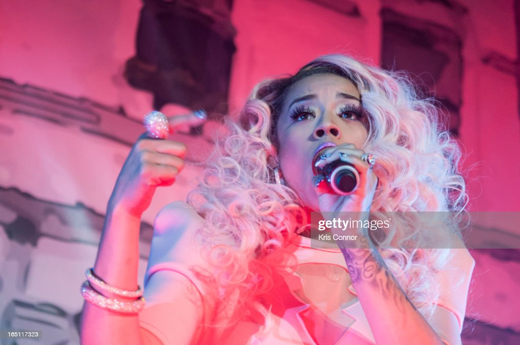 <a gi-track='captionPersonalityLinkClicked' href=/galleries/search?phrase=Keyshia+Cole&family=editorial&specificpeople=563536 ng-click='$event.stopPropagation()'>Keyshia Cole</a> performs at Warner Theatre on March 30, 2013 in Washington, DC.