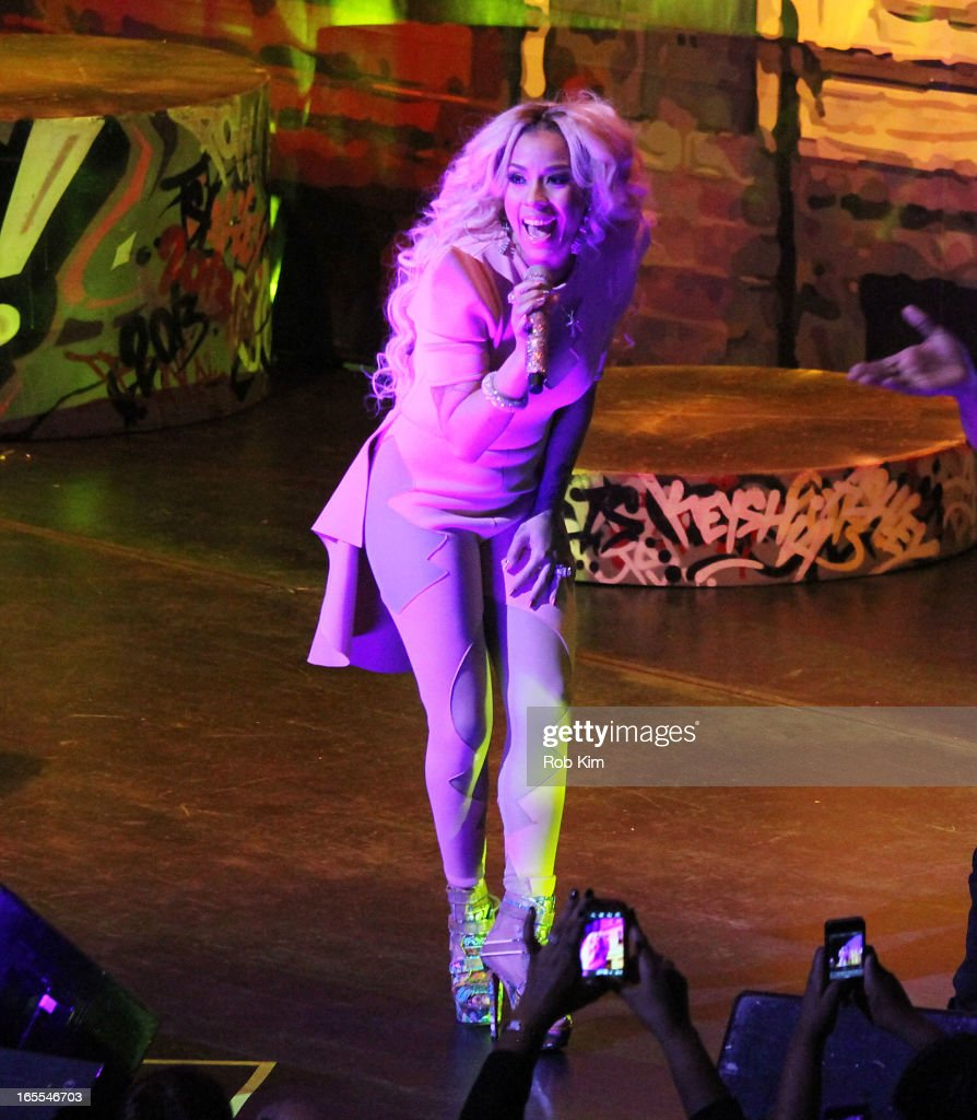 Keyshia Cole performs during the 'Woman To Woman' tour at Beacon Theatre on April 4, 2013 in New York City.