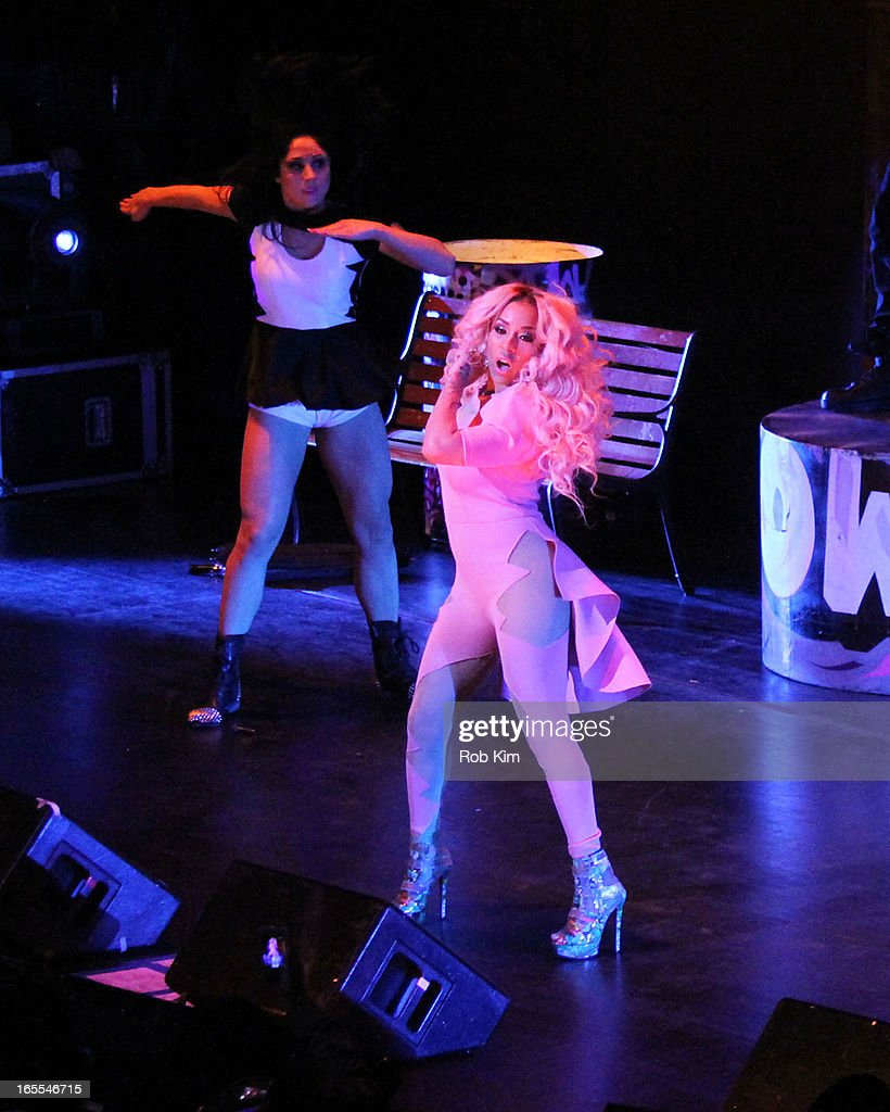 <a gi-track='captionPersonalityLinkClicked' href=/galleries/search?phrase=Keyshia+Cole&family=editorial&specificpeople=563536 ng-click='$event.stopPropagation()'>Keyshia Cole</a> performs during the 'Woman To Woman' tour at Beacon Theatre on April 4, 2013 in New York City.
