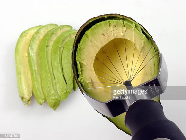 kf_avocado_042004_Phototrak096288 avocado cutter