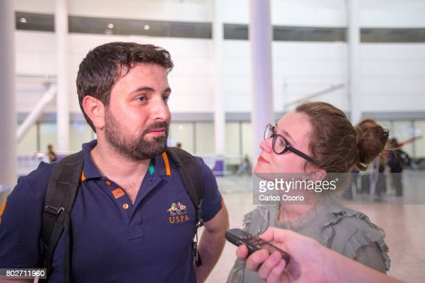 TORONTO ON JUNE Khaled Almilaji and his wife Jehan Mouhsen after landing at Pearson Airport in Toronto In January Syrian doctor Khaled Almilaji's...