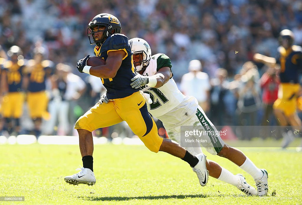 Khalfani Muhammad of the California Golden Bears runs the ball during the College Football Sydney Cup match between University of California and...