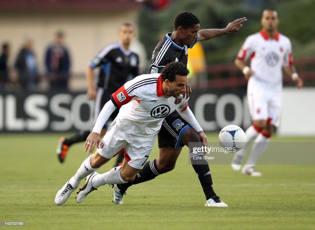 Khari Stephenson of the San Jose Earthquakes and Dwayne De Rosario of the DC United go for the ball at Buck Shaw Stadium on May 2 2012 in Santa Clara...