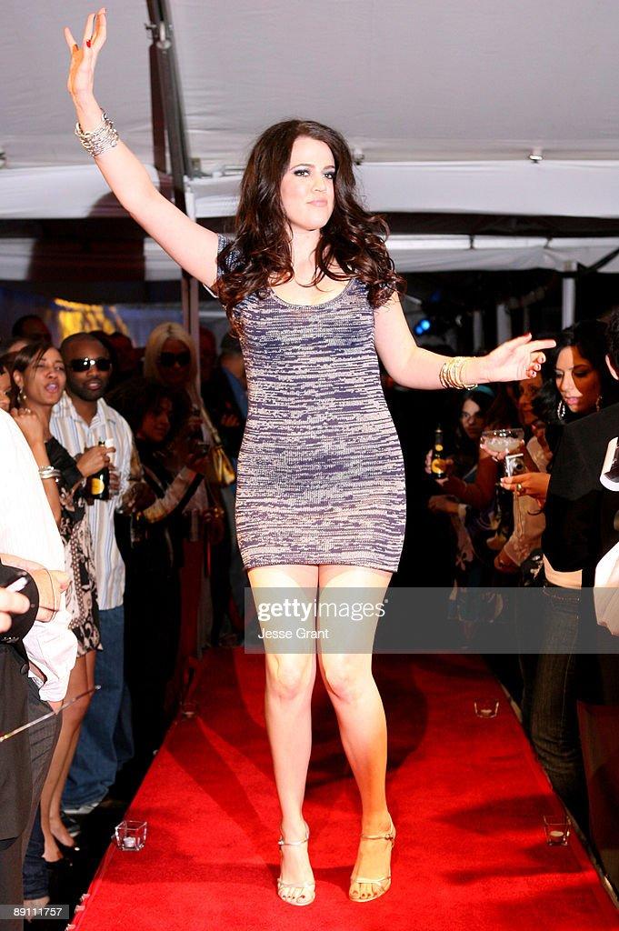 Khloe Kardashian wearing Dash Fall 2007