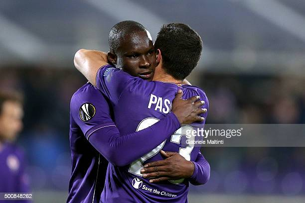 Khouma Babacar of ACF Fiorentina celebrates after scoring a goal during the UEFA Europa League match between ACF Fiorentina and Os Belenenses on...
