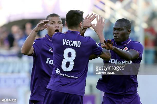 Khouma Babacar of ACF Fiorentina celebrates after scoring a goal during the Serie A match between ACF Fiorentina and SS Lazio at Stadio Artemio...
