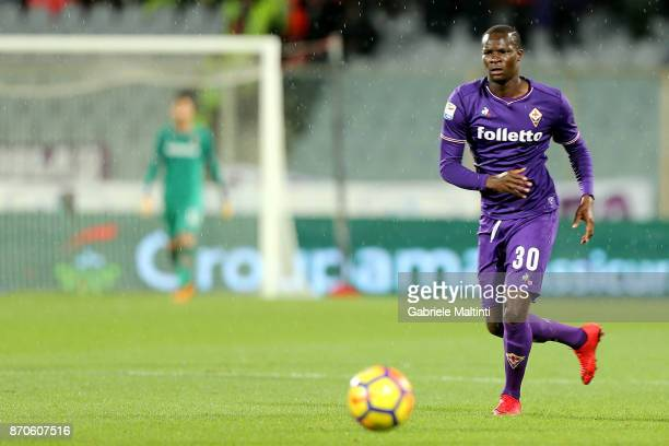 Khouma Babacar of ACF Fiorentina in action during the Serie A match between ACF Fiorentina and AS Roma at Stadio Artemio Franchi on November 5 2017...