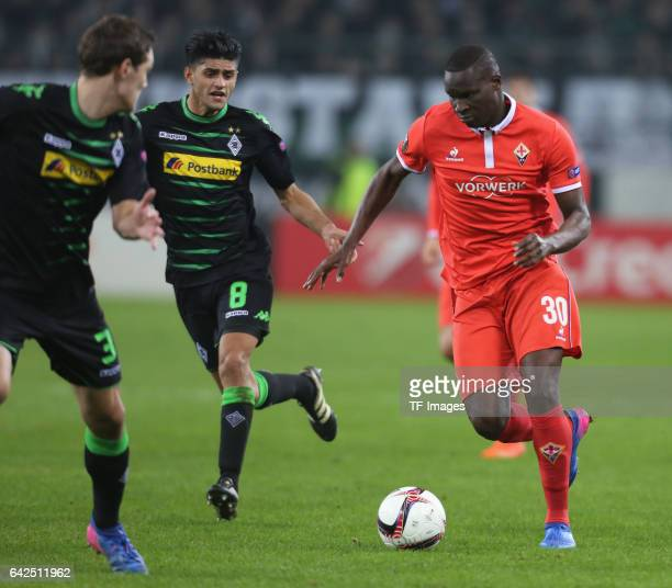 Khouma Babacar of Fiorentina Andreas Christensen of Moenchengladbach and Mahmoud Dahoud battle for the ball during the UEFA Europa League Round of 32...