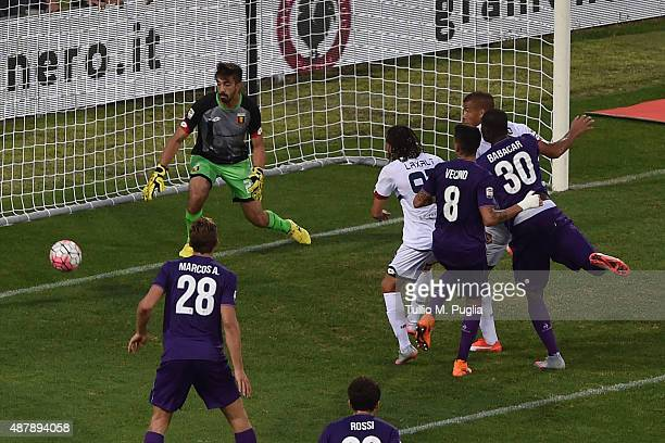 Khouma El Babacar of Fiorentina scores the opening goal during the Serie A match between ACF Fiorentina and Genoa CFC at Stadio Artemio Franchi on...