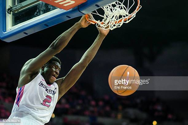 Khyri Thomas of the Creighton Bluejays finishes strong during their game against the DePaul Blue Demons at CenturyLink Center on January 28 2017 in...
